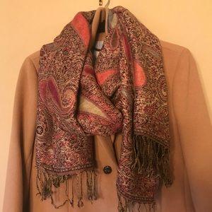 Accessories - Stunning pashmina scarf!